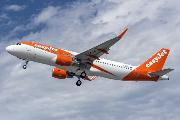EasyJet (UK) A320-200 D-AVVO (G-EZOM)(15)(Tko)(Airbus)(LRW)