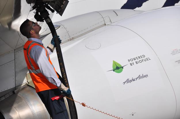 Alaska 737 Biofuel (Boeing)(LRW)