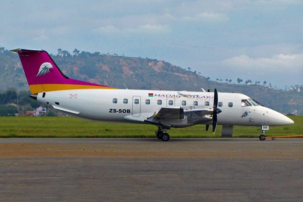 Madagasikara EMB-120 ZS-SOB (15)(Grd)(Madagasikara)(LRW)