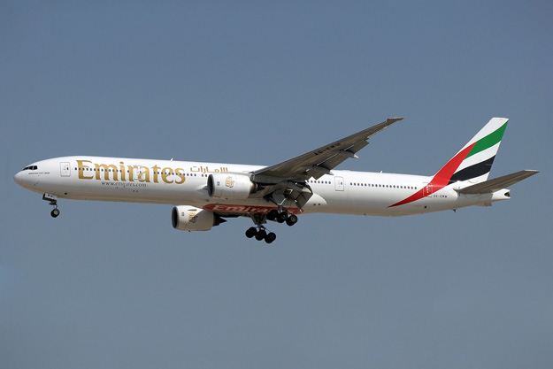 Emirates 777-300 A6-EMW (99)(Apr) DXB (PDN)(LRW)