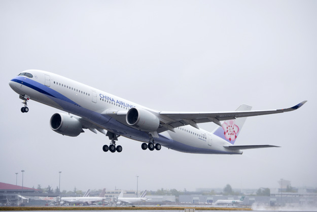 china-airlines-a350-900-f-wzgv-b-1890195tko-tls-airbuslrw