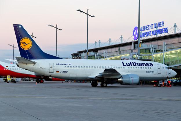 lufthansa-737-300-d-abef-88grd-nue-gmlrw