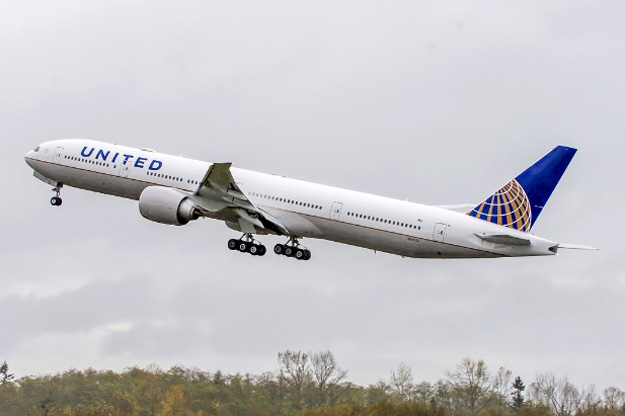 United 777-300ER (PRNewsFoto/United Airlines)