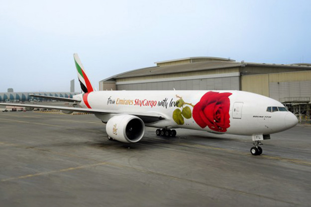 emirates-skycargo-777f-a6-efl-17-from-emirates-skycargo-with-lovegrd-dxb-emirateslr
