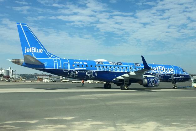 jetblue-erj-190-100-n304jb-17-blueprintgrd-jfk-jetbluelrw