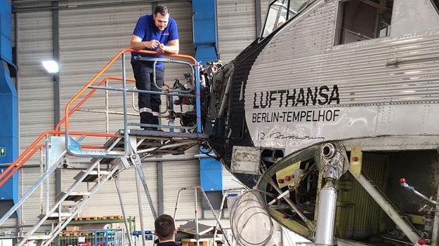 lufthansa-ju-52-d-aqui-noselufthansalr