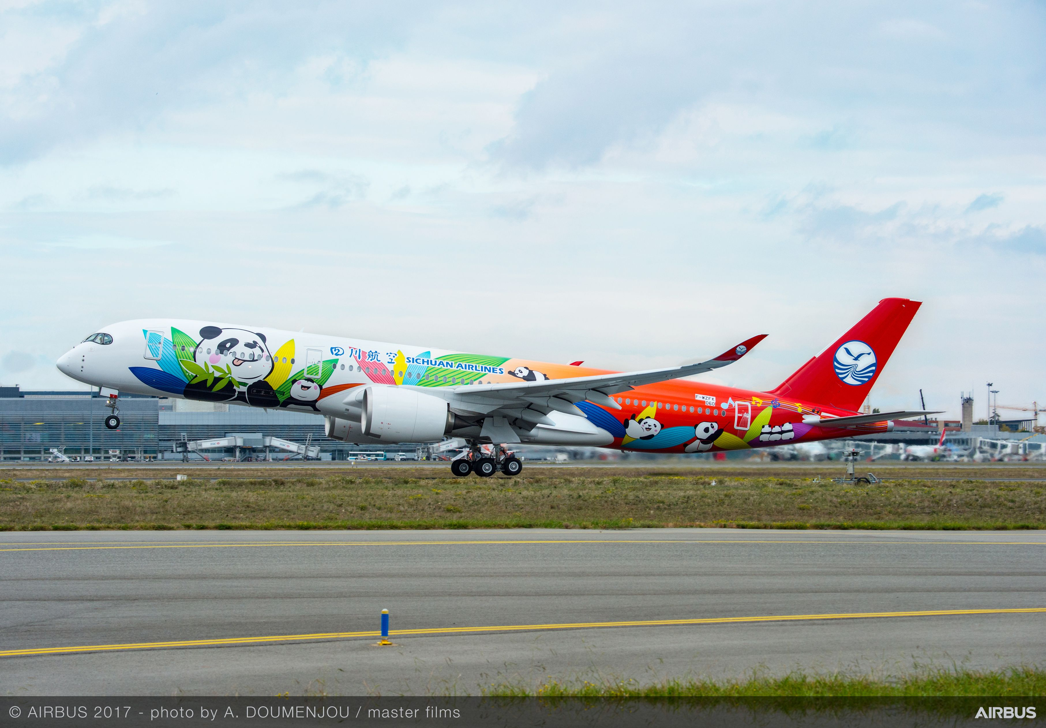 Sichuan Airlines Takes Delivery Of Its First Airbus A350