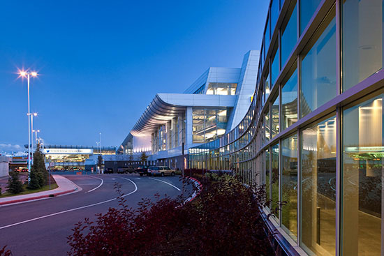 Alaska Airlines Suspends Operations At Anchorage Due To