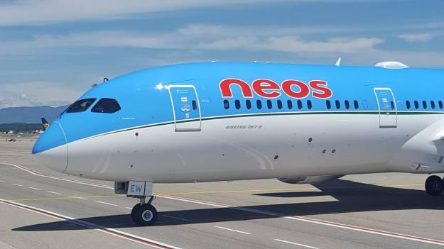 Neos adds Viasat in-flight connectivity to its fleet of Boeing 787