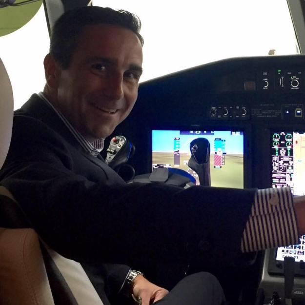 Faithful Aa Md 80 Customer Says Goodbye To Iconic Airplane