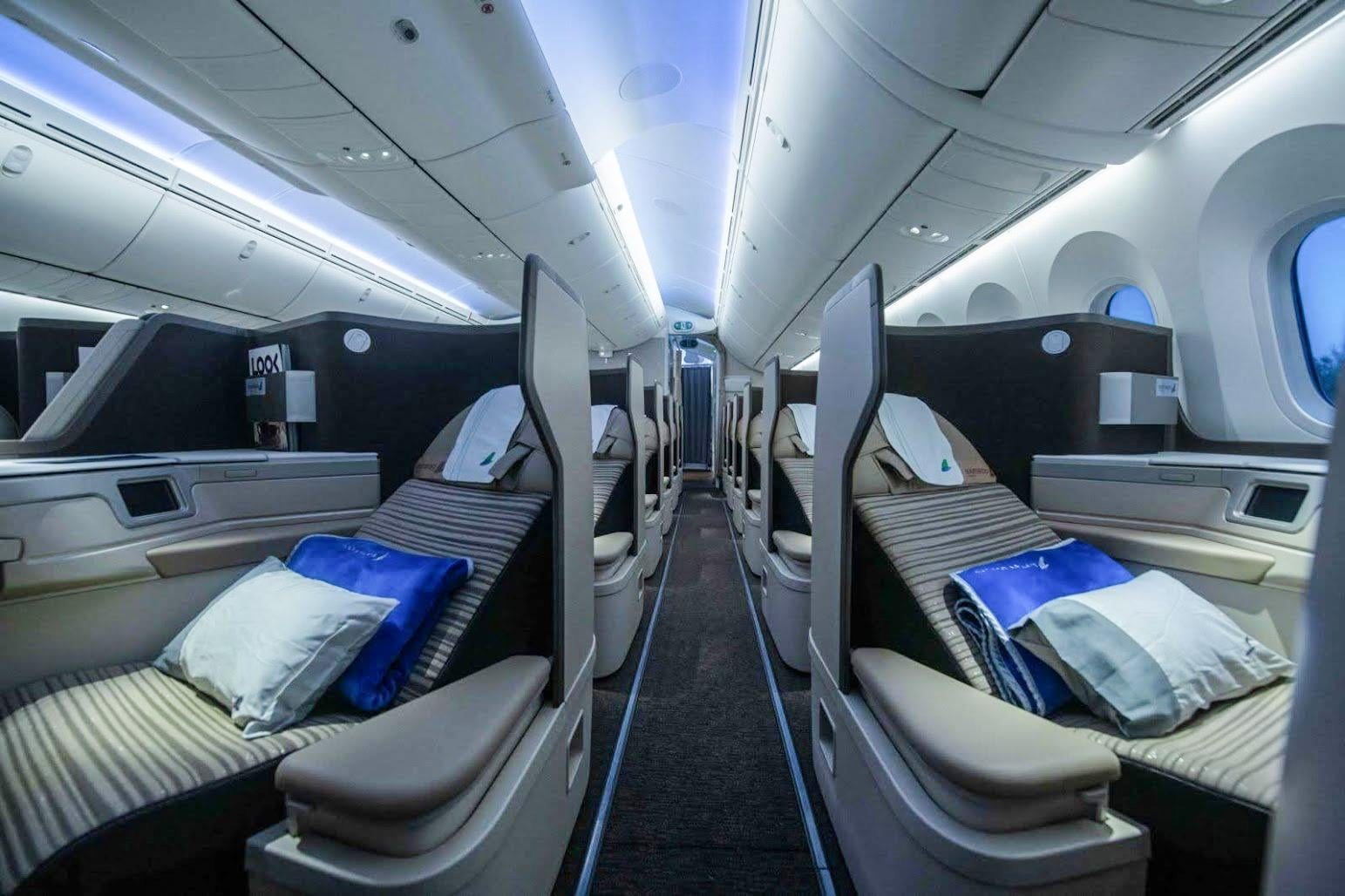 Bamboo Airways takes delivery of its first Boeing 787-9